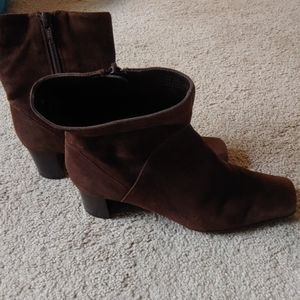 Nine West Ankle Bootie Brown Suede Leather Sz. 6.5